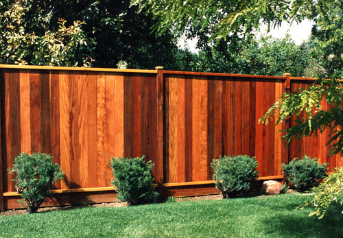 Redwood Capped Privacy Fence in Aurora